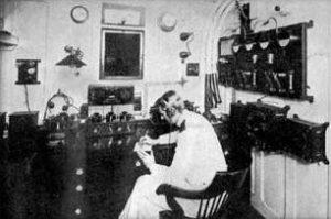 titanic-radioroom
